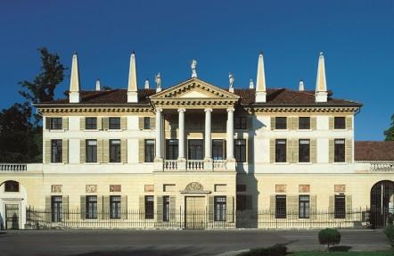 Complesso architettonico di Villa Foscarini Rossi. Villa Padronale cb29cc9184a