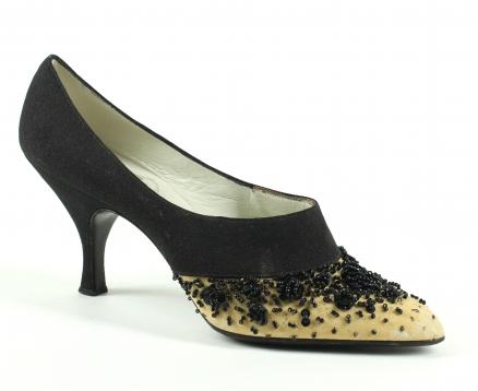 Scarpe griffate al Museo della calzatura Rossimoda af9ce22090d